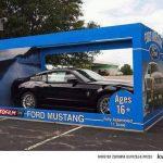 Ford mustang w pudełku