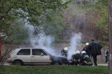 palący się pojazd hamulce spalone